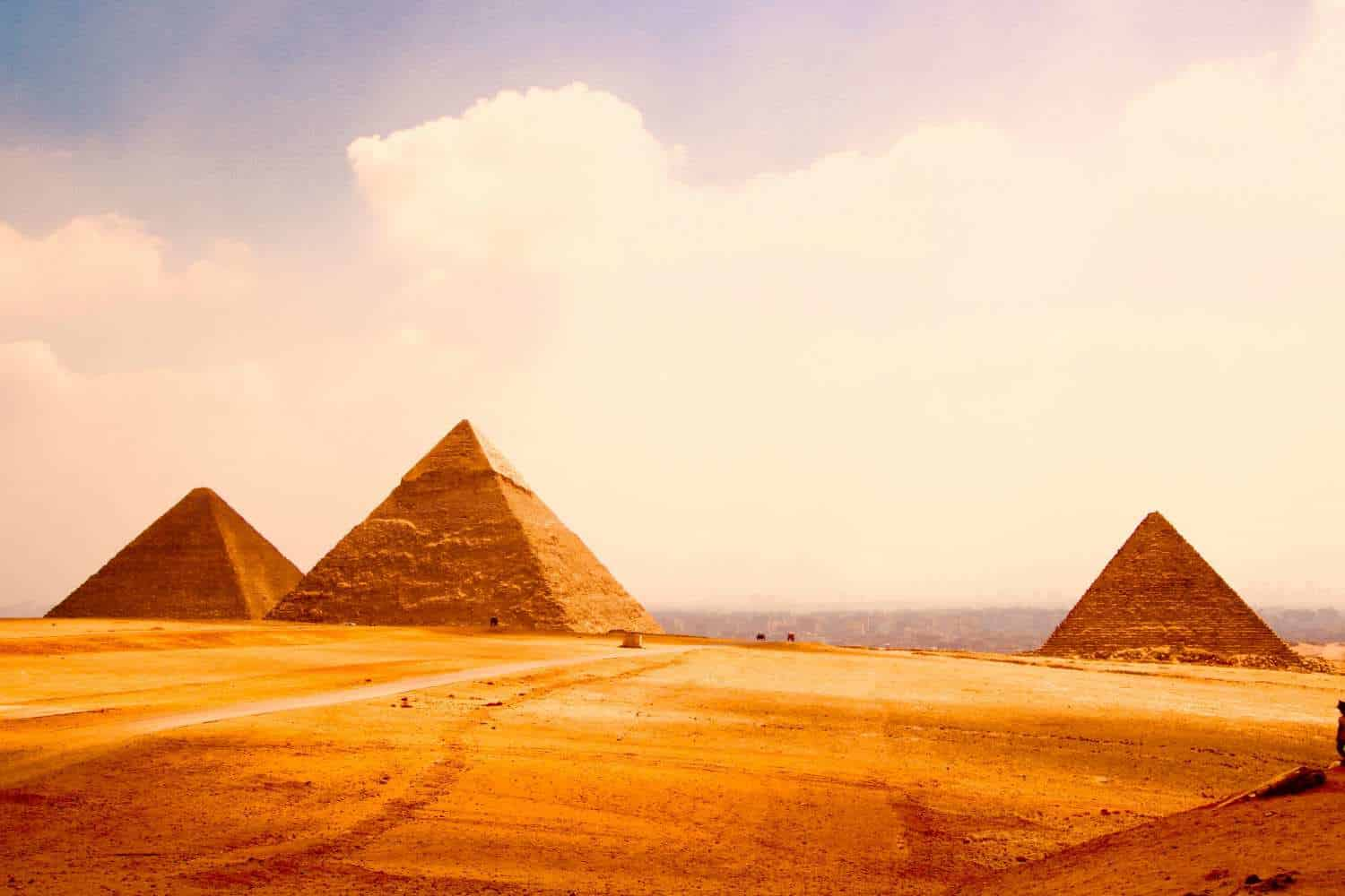 view-of-the-pyramids-on-the-horizon